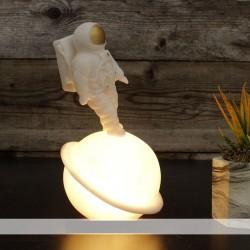 Büyük Boy Astronot Satürn Gece Lambası