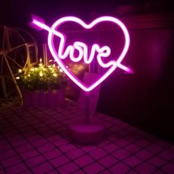 Neon Işıklı Ok İşaretli Kalpli Love Lamba