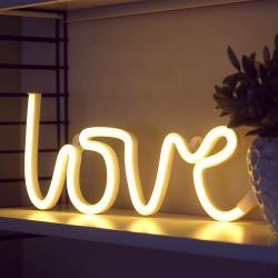 Dekoratif Neon Işıklı Love Yazısı