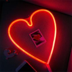 Kalp Neon Duvar Gece Lambası